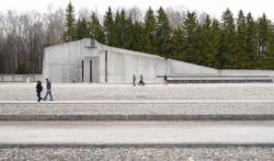 Evangelische Versöhnungs·kirche. Das Foto ist von 2010. (KZ-Gedenk·stätte Dachau)