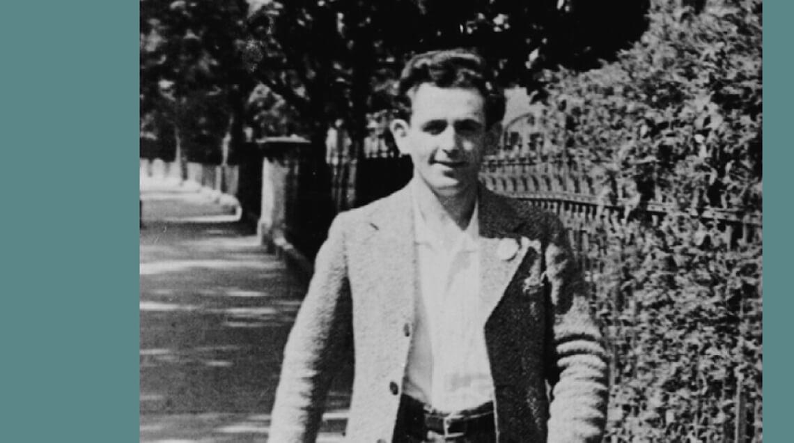 Georg Elser in jungen Jahrenfröhlich ausschreitend auf einem Spaziergang in vorstädtischer Umgebung