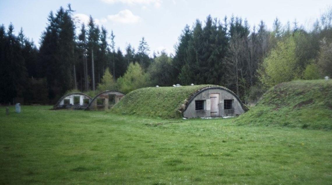 Gebäude auf dem Gelände des ehem. Außenlagers Kaufering VII